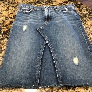 Lucky Brand denim skirt. Size 6/28